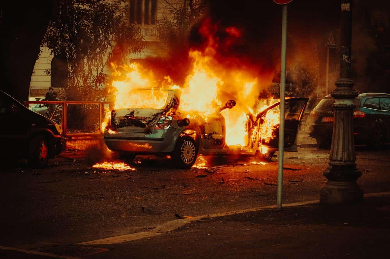 voiture en flamme