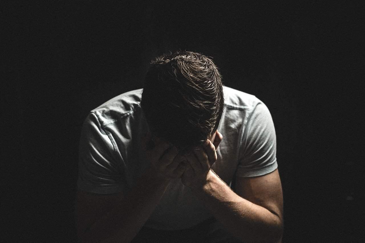 homme qui pleure